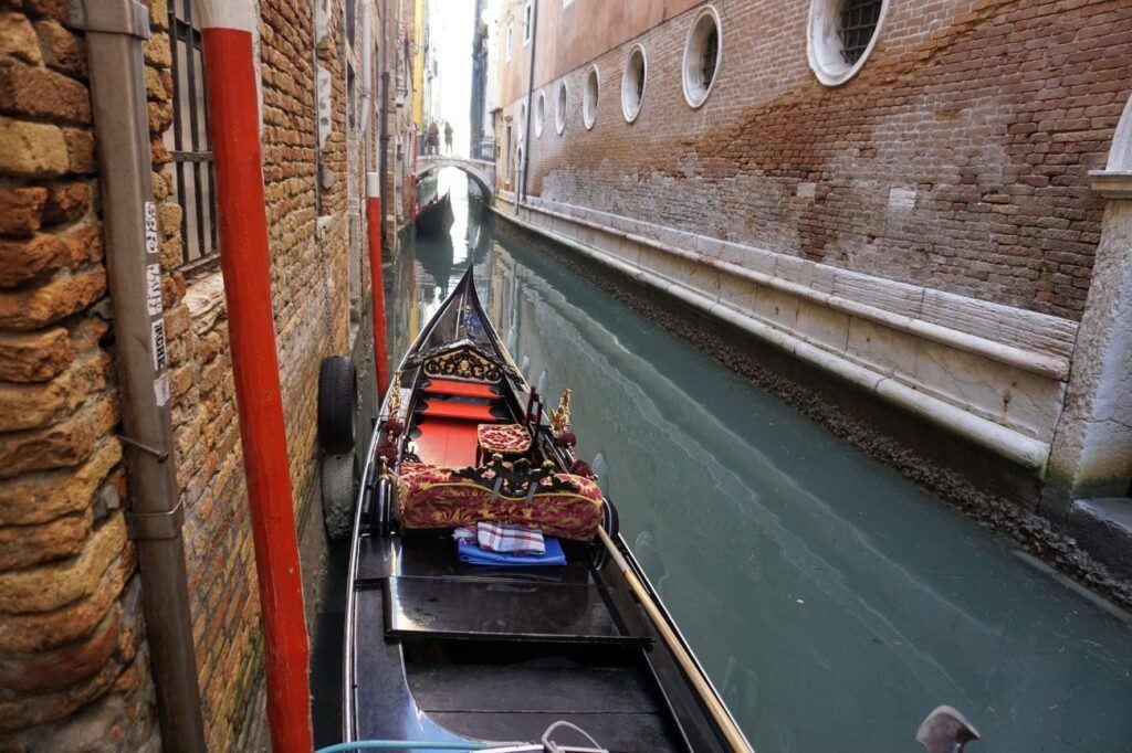 Gondoly v Benátkách slouží už jen jako turistická atrakce.
