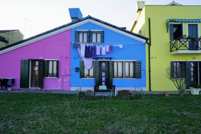 Benátský ostrov Burano, co dům to originál.