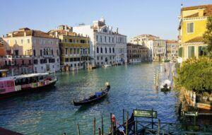 Benátky jsou kouzelné i o Vánocích