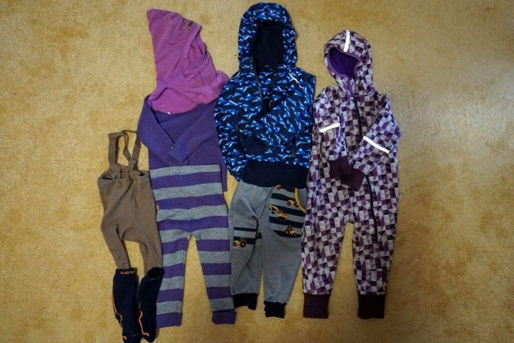 Varianty oblékání dětí do nosítka