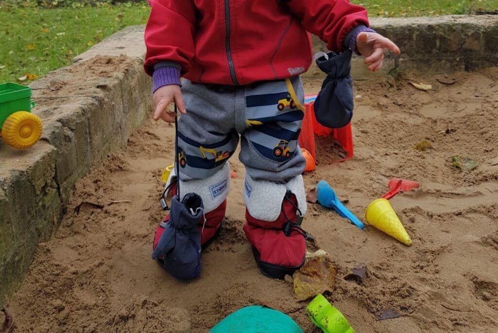 K nošení dětí se nám osvědčily botičky značky Stonz